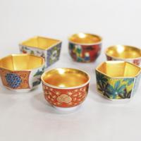 Kutani-ware sake cup with gold leaf