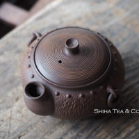 [ H13] 陶寿鋲打仿鉄环钮茶壺宝瓶 TOJU Ceramic  Rivet Ring Houhin Tepaot