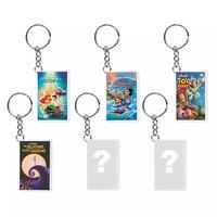 ディズニー VHSテープ型 ミステリーキーチェーン Oh My Disney VHS Cover Mystery Keychain