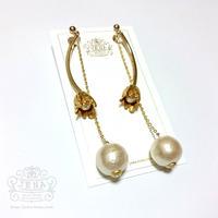 Antique flower long pearl  イヤリング/ピアス