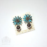 Margaret Flower 【metallic light blue】イヤリング/ピアス