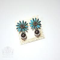 Margaret Flower 【metallic light blue】イヤリング/ピアス