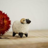 伴裕子 羊の置物 小