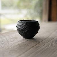 10-2 渋谷英一 「地ノ器 植木鉢」 黒 小