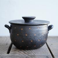 高須愛子 耐熱土鍋 搔き落とし花柄 B