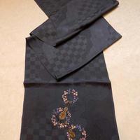 帯揚 チャコールグレーにバイオリン刺繍