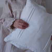 × K du ciel collaboration  Night night cushion  / white