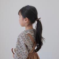 Frill collar blouse / winter flower