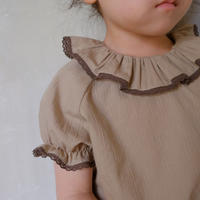 Frill collar blouse / olive