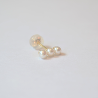 K10 three pearls single pierce