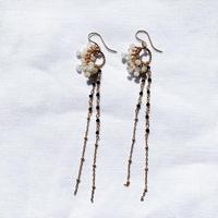 Seahorse  earring  - white-