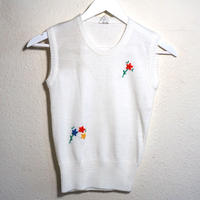 Knit Vest White Flower