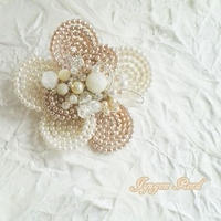 お花のコサージュ・ブローチ(パールD)