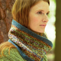 [K2tog]  条件編図付キット K20-055 Rowan Cowl in the WILDWOOD