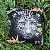 エクスプローラークッションカバー Fierce Leopard