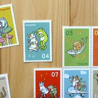 猫とカエルの切手風シール