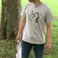 猫とカエルのTシャツ「しっぽ」(シルバーグレー)男女兼用【受注生産・送料無料】
