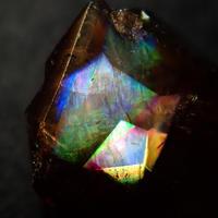 【2/19更新】アンドラダイトガーネット(通称名 レインボーガーネット) 1.909ct原石
