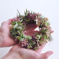 【販売終了】Hana Tutumi Gift 季節のかわきばな®リース(ピンク・Sサイズ)