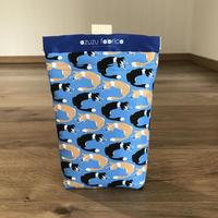 ❝くるくるボーダー❞撥水消臭マナーポーチ (シロクロ&レッド) (青)