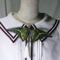 インコの翼ブローチ(黄緑)