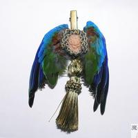 翼とタッセルの髪飾り(緑)