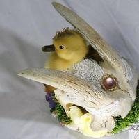 ヤギの頭骨とアヒル雛のヘッドドレス
