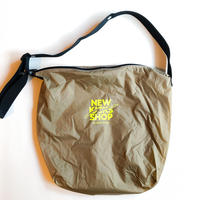 NEW KICKS SHOP BAG [BEIGE]