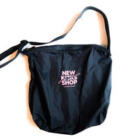 NEW KICKS SHOP BAG [BLACK]
