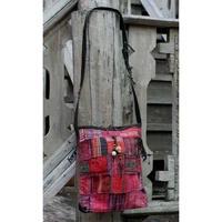 赤い綿のヒル族のパッチワークショルダーバッグ
