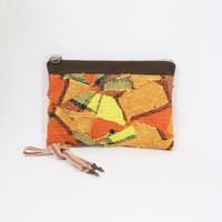 054|cut 布のかけらを集めたポーチ(Czechoslovakia)