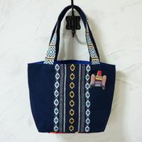 オトミ刺繍風ブローチつき、メキシカントート(A)
