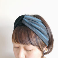 T-shirt turban/blue border x black /cross hairband