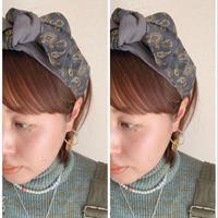 paisley green × T-shirt dark gray  or black / ribbon turban