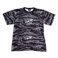 NEW ESSENTIAL LOGO S/S TEE URBAN TAIGER STRIPE CAMO