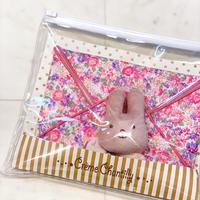 【 Creme Chantilly 】ラトル & 大きなハンカチセット (Pink)