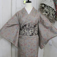 【リサイクル】【紬】淡いグレー花柄 単衣着物 KIA029