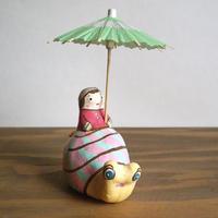 かたつむり土鈴 Claybell of Girl riding a Snail