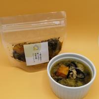 5種の野菜と鶏ひき肉の胡麻味噌クミンスープ