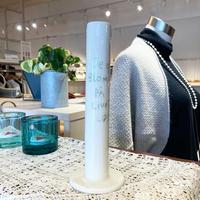 1013-30  縦長の花瓶