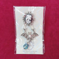 【Phantom Jewelry】骸骨婦人カメオと蝙蝠燭台ブローチ/シルバー