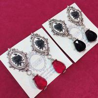 【Phantom Jewelry】黒薔薇カメオのレトロなピアス/イヤリング