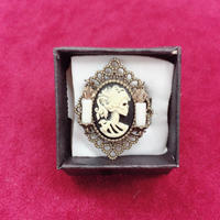 【Phantom Jewelry】骸骨婦人カメオと蝋燭2本のリング