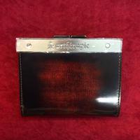 【artherapie】ATメタルプレートアドバン 二つ折りがま口財布