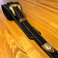 ブラックレザー ギターストラップ/手縫い/一点もの