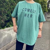 緑Tシャツ(文字はネイビー)