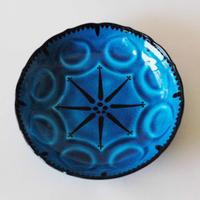 青釉輪花鉢