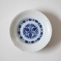 【季節のうつわ】伊万里染付捻文小皿(その5)11.9cm Imari Blue and White Small Dish with Twisted Pattern 19th-20th C