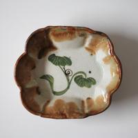 【季節のうつわ】色絵かたつむり文変形深皿 15.7cm Polychrome Dish with Snail Design 20th C