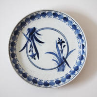 【季節のうつわ】古伊万里染付菖蒲文皿 Imari Blue and White Dish with Irises Design 17th-18th C